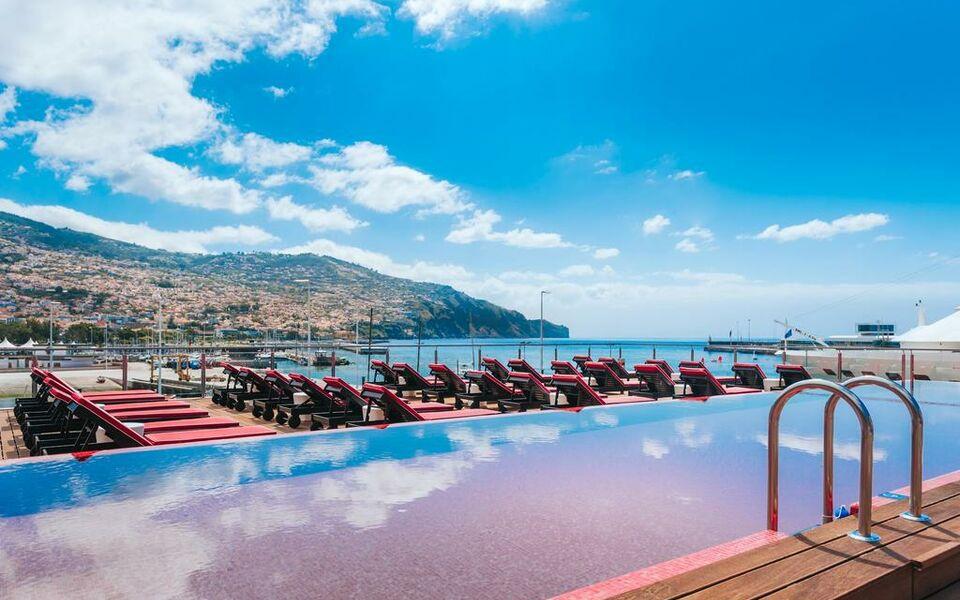 Pestana cr7 funchal a design boutique hotel funchal portugal for Designhotel madeira