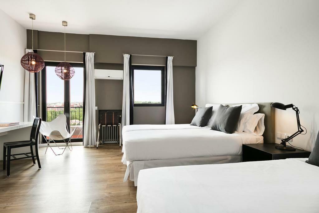 hotel acta madfor madrid espagne my boutique hotel. Black Bedroom Furniture Sets. Home Design Ideas