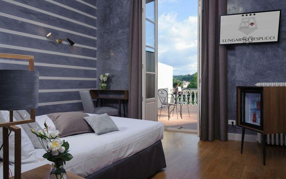 Hotel lungarno vespucci 50 a design boutique hotel for Design hotel florence