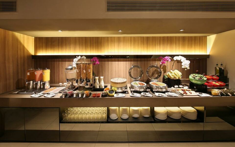 Pan Pacific Serviced Suites Beach Road, Singapore (2)