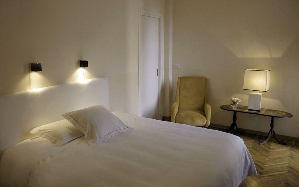 B b via stampatori a design boutique hotel turin italy for Designhotel turin