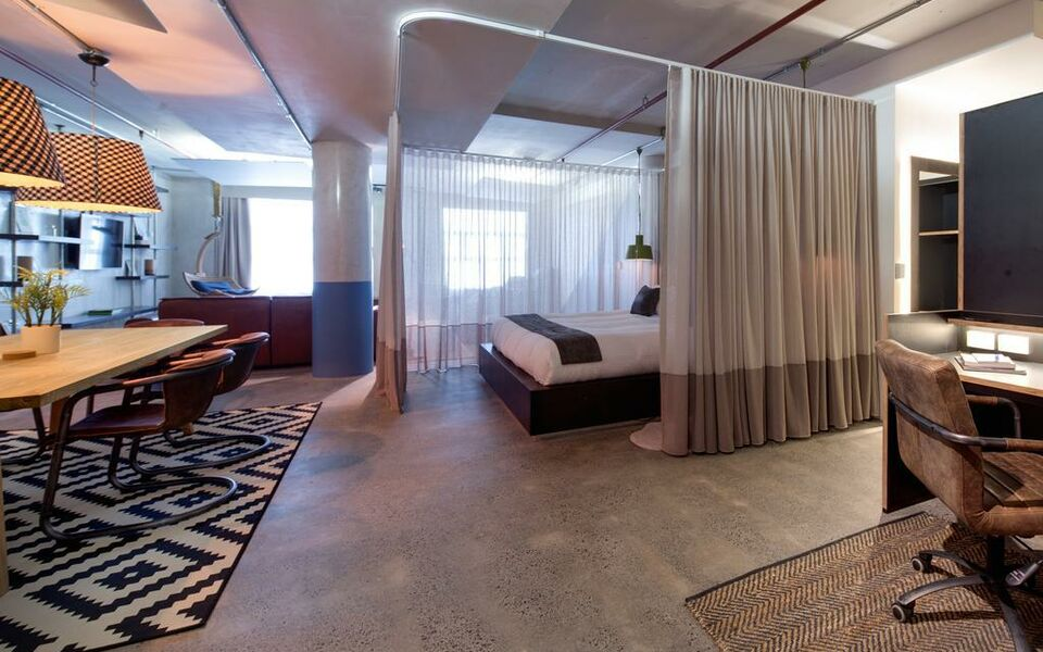 Zara Tower Luxury Suites And Apartments Sydney