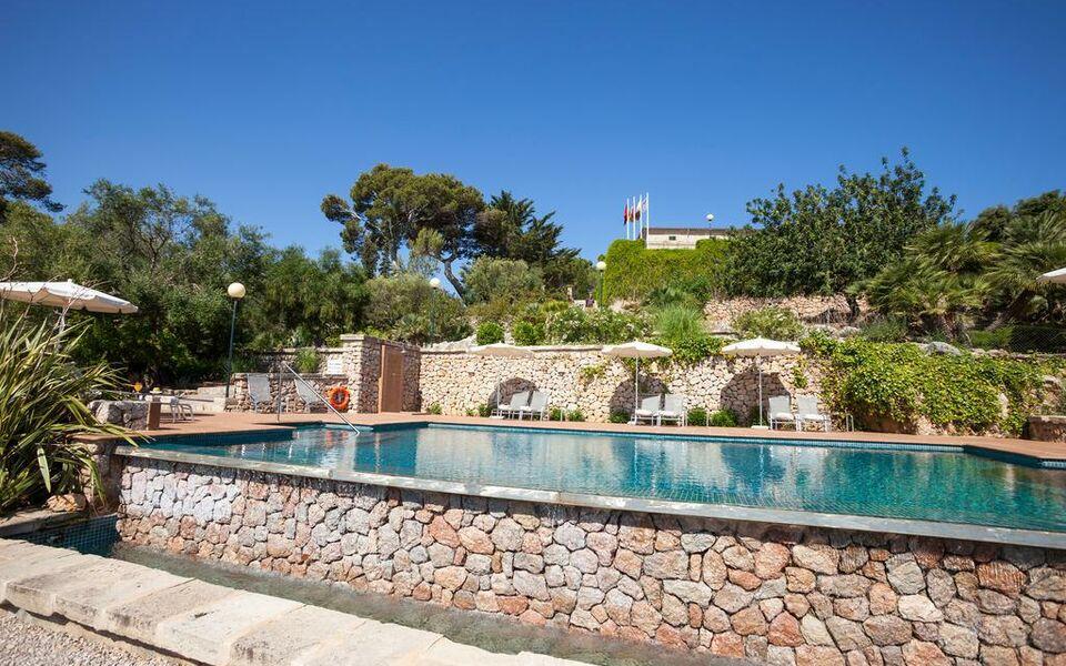 Hotel llenaire a design boutique hotel palma mallorca spain for Kapfer pool design mallorca
