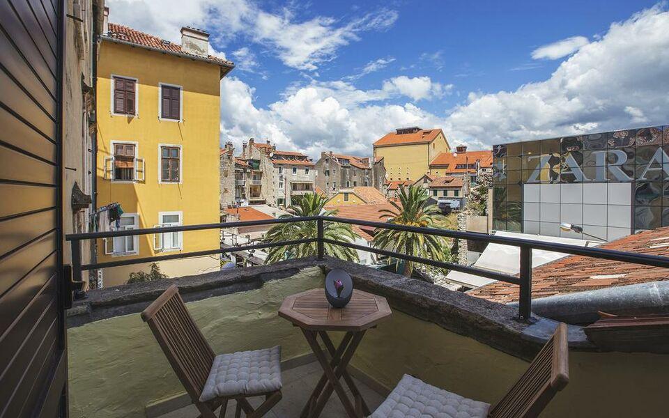 Bed atmosphere rooms a design boutique hotel split croatia for Boutique hotel croatie