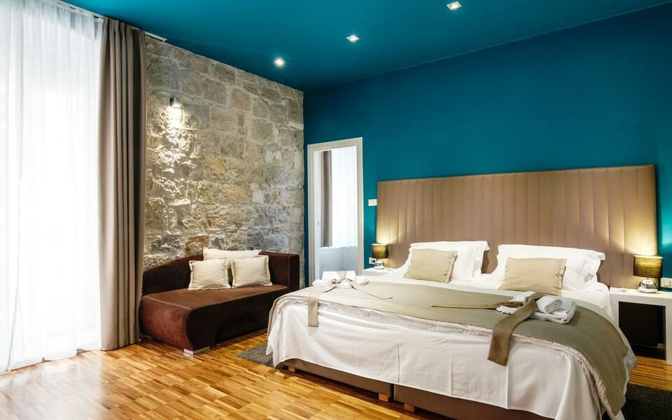 Riva luxury rooms a design boutique hotel split croatia for Design hotel 101 split