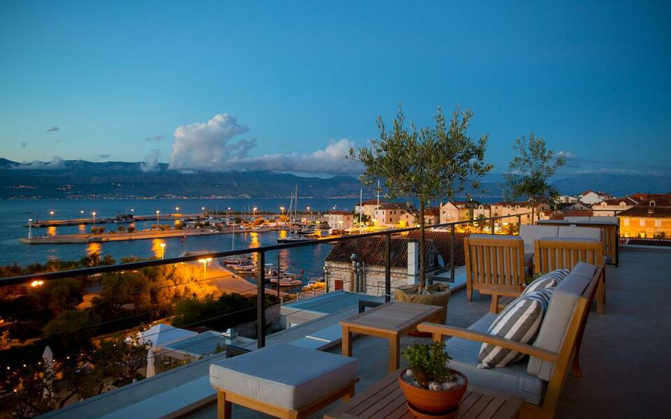 Hotel osam adults only a design boutique hotel supetar for Boutique hotel croatie