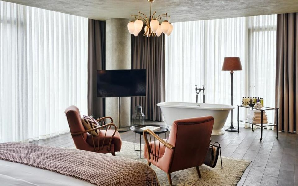 Soho house istanbul special category a design boutique for Decor hotel istanbul