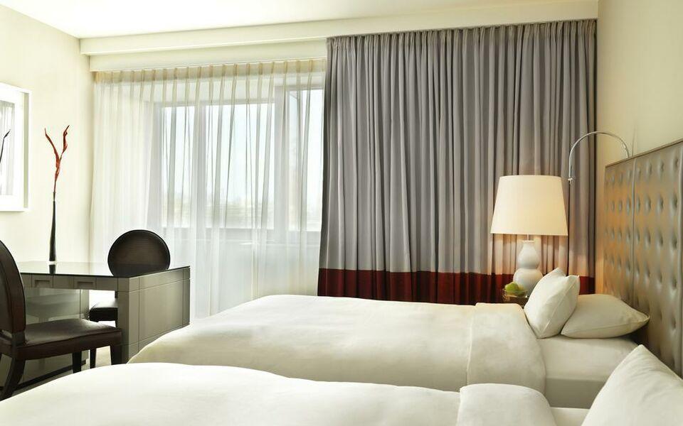 Modernes Hotel Koln