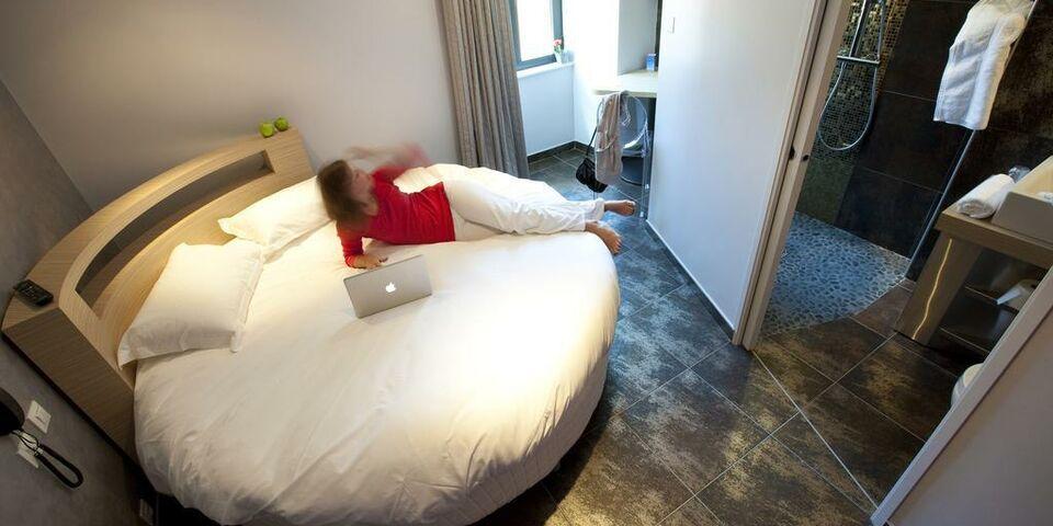 les fleurines h tel et appart 39 h tel a design boutique. Black Bedroom Furniture Sets. Home Design Ideas