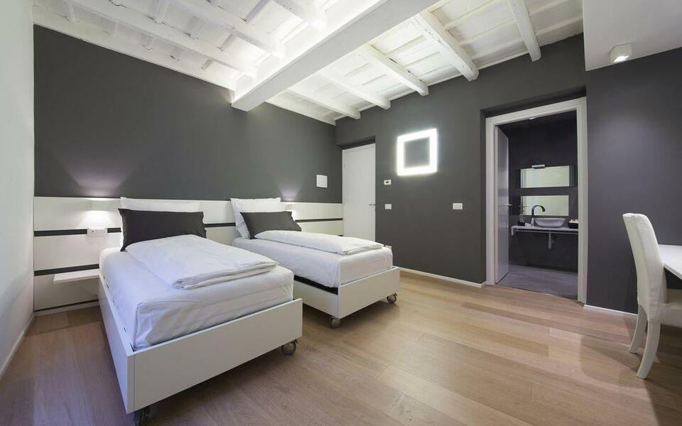 Como luxury rooms a design boutique hotel como italy for Design hotel como
