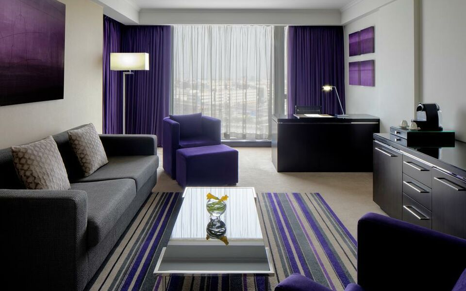 Pullman dubai creek city centre a design boutique hotel for Small boutique hotels dubai