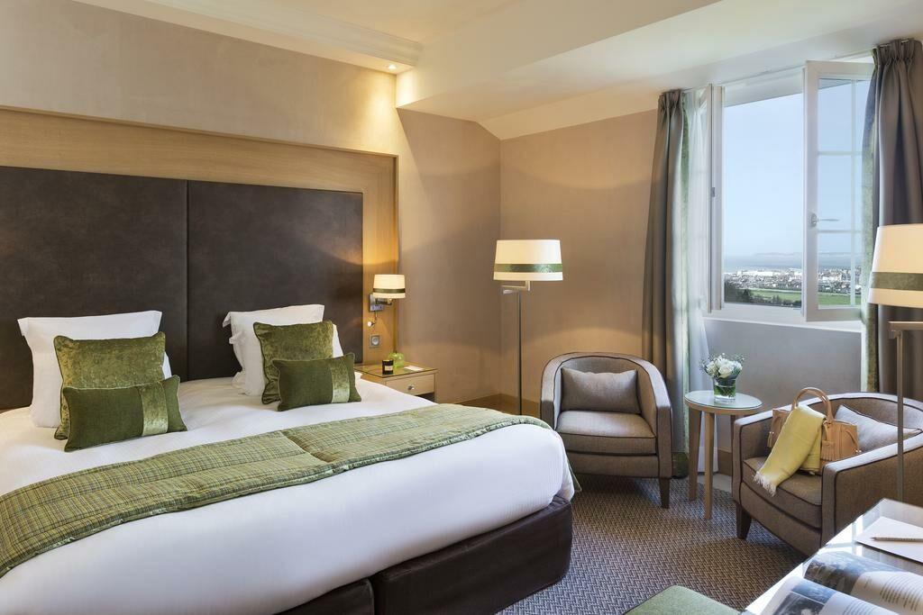 H tel barri re l 39 h tel du golf a design boutique hotel for Hotel deauville design