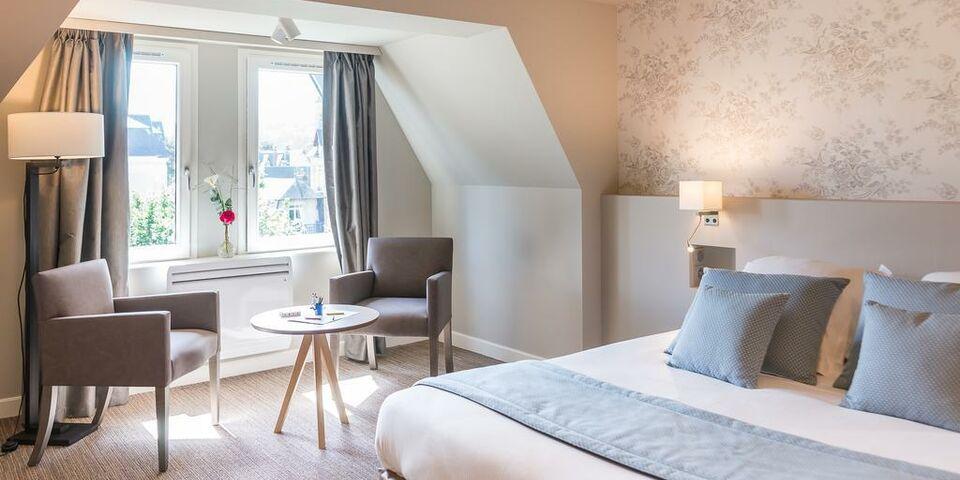 Lejardin Room At Deauville Beach Resort