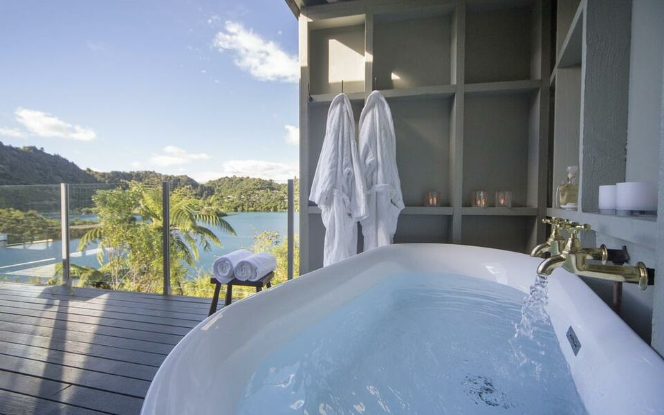 Solitaire lodge a design boutique hotel rotorua new zealand for Interior designs rotorua
