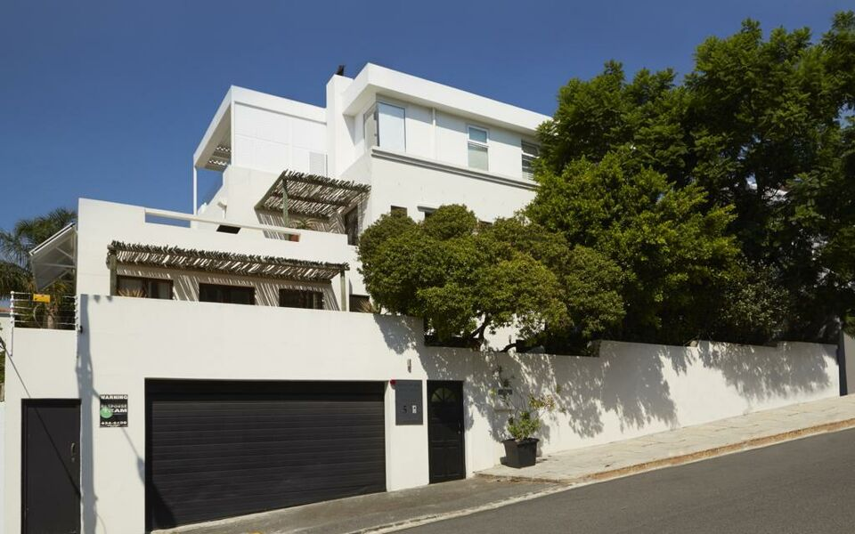 Bayflowers Guest House, Cape Town (8)