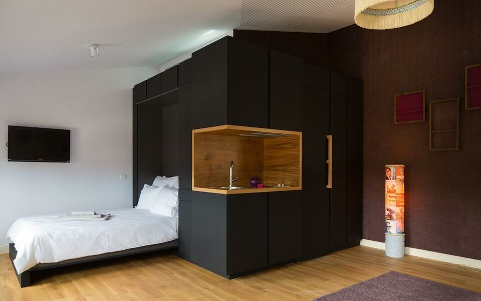 lindenberg r ckertstra e frankfurt deutschland. Black Bedroom Furniture Sets. Home Design Ideas