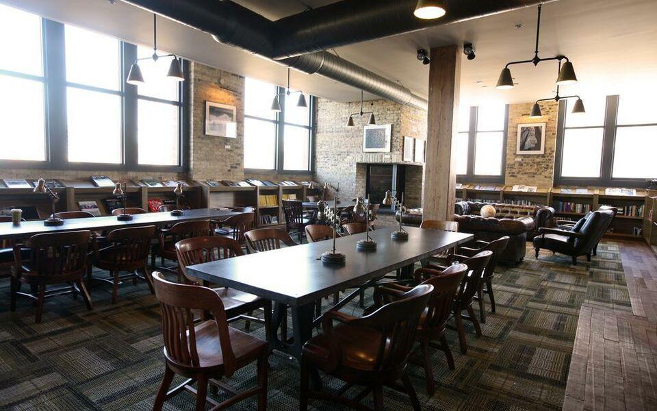 Smyth Restaurant Milwaukee Iron Horse Hotel