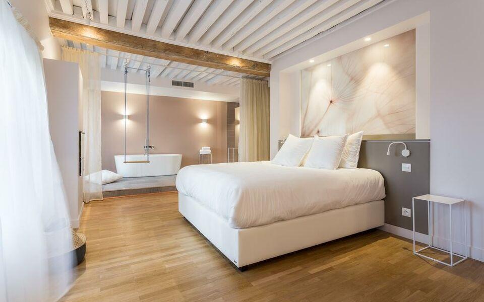 Apt sala a design boutique hotel lyon france for Boutique hotel lyon