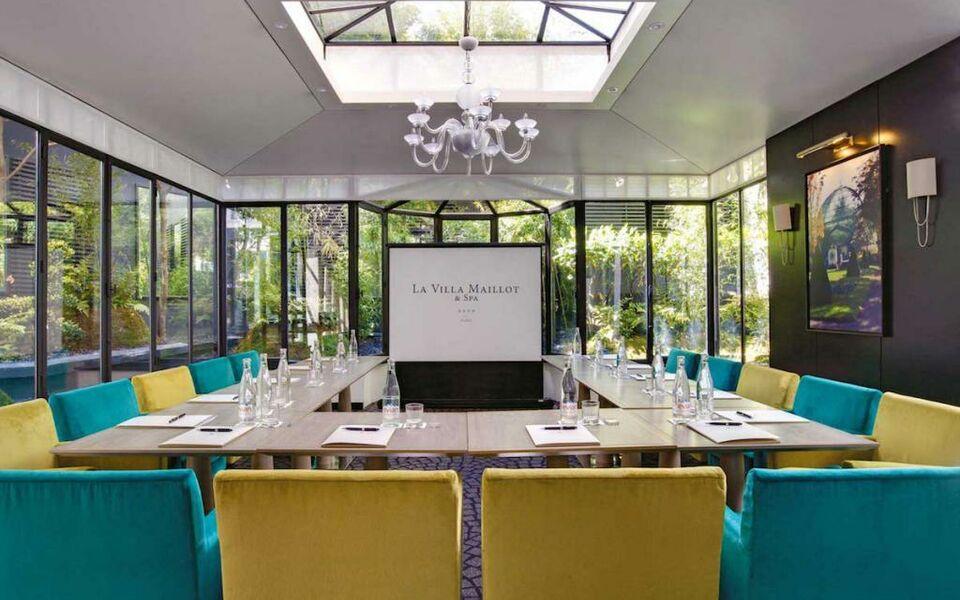 La villa maillot a design boutique hotel paris france for La villa corse porte maillot