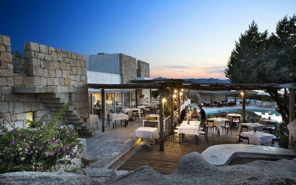 Hotel grand relais dei nuraghi baja sardinia italien for Best boutique hotels sardinia