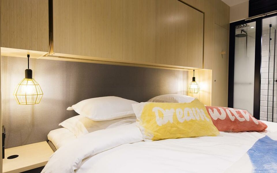 hotel with urban deli stockholm schweden. Black Bedroom Furniture Sets. Home Design Ideas