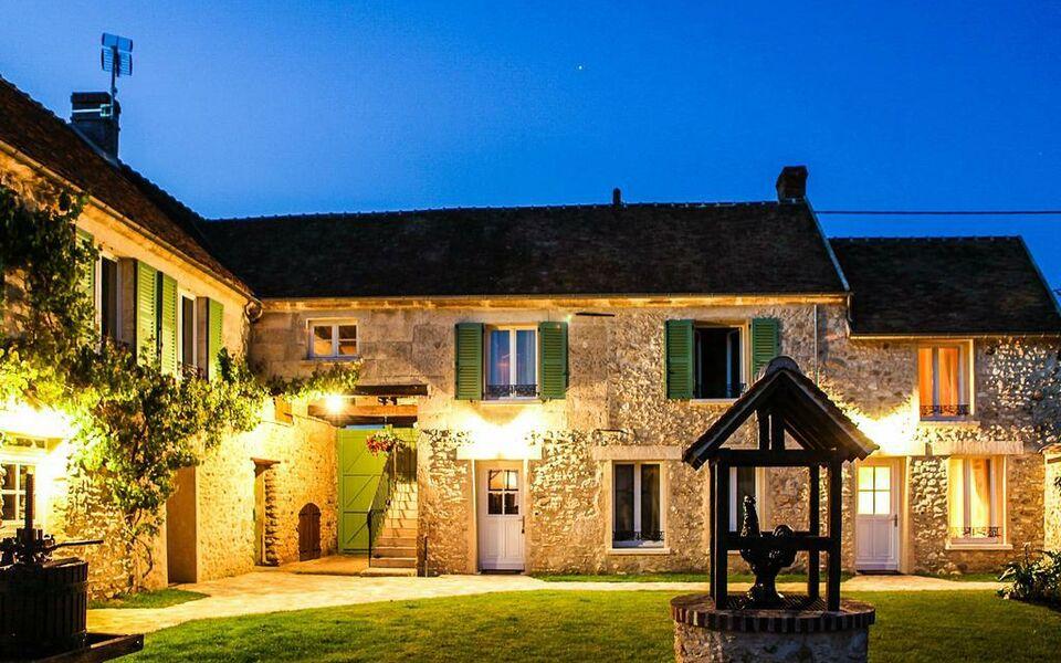 Le clos des vignes a design boutique hotel neuville bosc - Hotels de charme le treehotel en suede ...