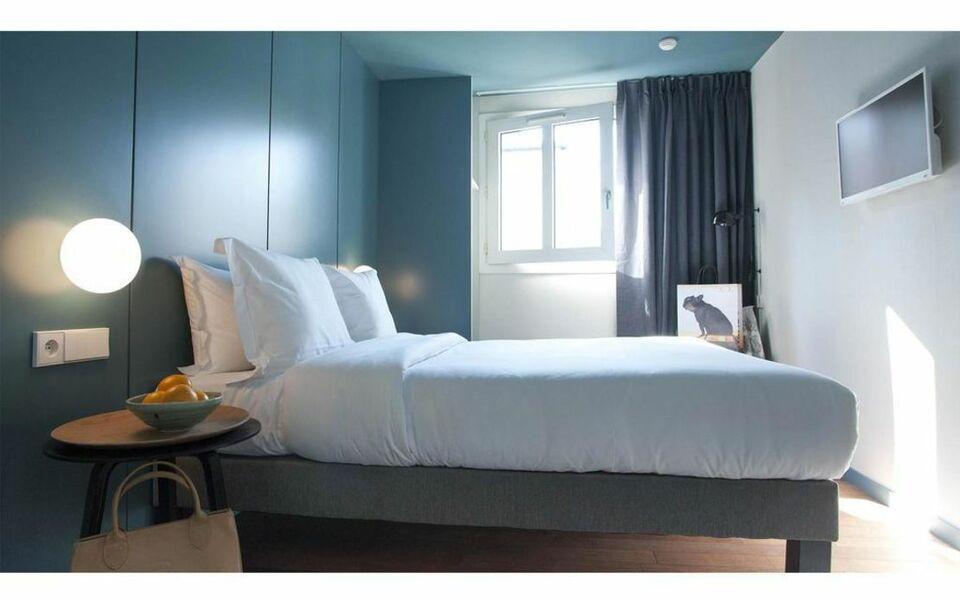 9hotel montparnasse a design boutique hotel paris france for Hotel design 75014