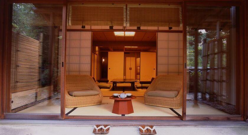 Gora kadan hakone japon my boutique hotel for Armoire penderie style japonais