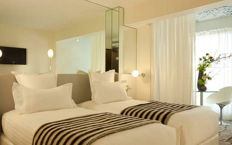 le 7 eiffel hotel paris france my boutique hotel. Black Bedroom Furniture Sets. Home Design Ideas