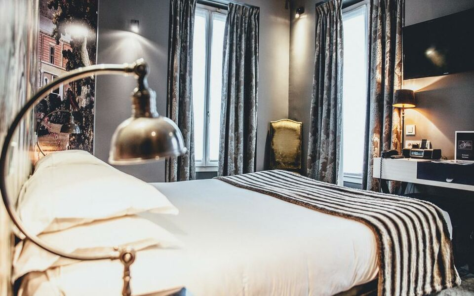 hotel le notre dame saint michel a design boutique hotel. Black Bedroom Furniture Sets. Home Design Ideas
