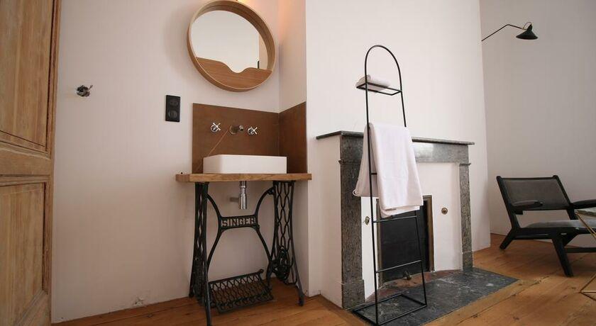 casa blanca b b bordeaux francia. Black Bedroom Furniture Sets. Home Design Ideas