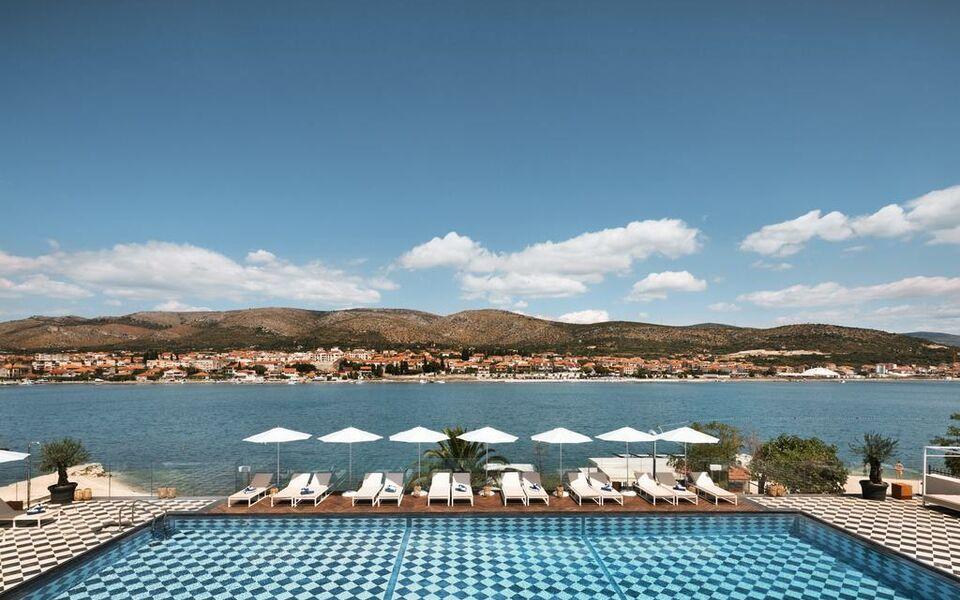 Hotel brown beach house trogir kroatien for Kroatien designhotel