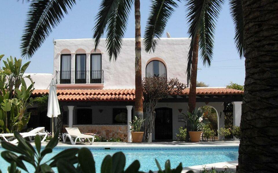 la finca ibiza a design boutique hotel ibiza spain. Black Bedroom Furniture Sets. Home Design Ideas