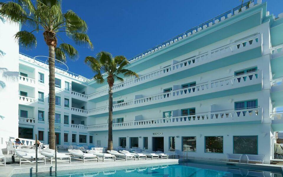 Hotel es vive adults only a design boutique hotel ibiza for Design boutique hotels ibiza