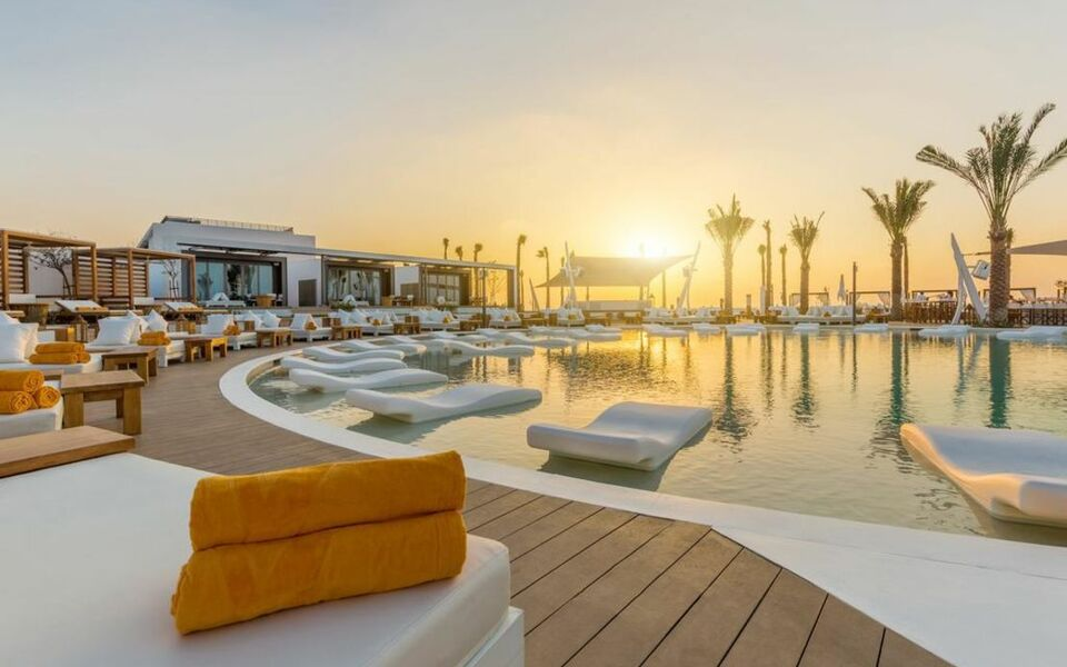 Nikki beach resort spa dubai a design boutique hotel for Nearest hotel to dubai design district