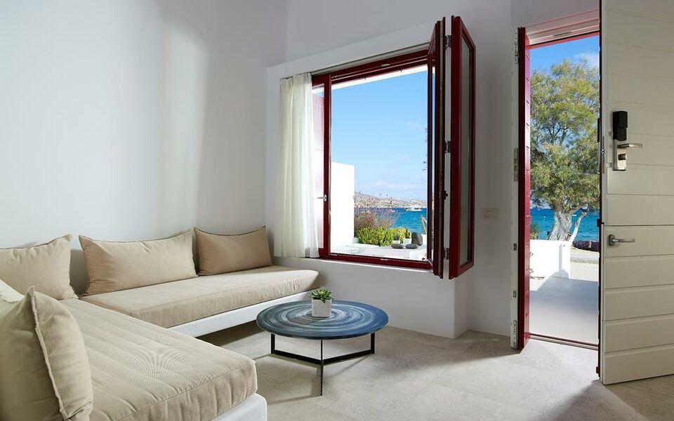 Unique milos suites a design boutique hotel milos greece for Unique small hotels