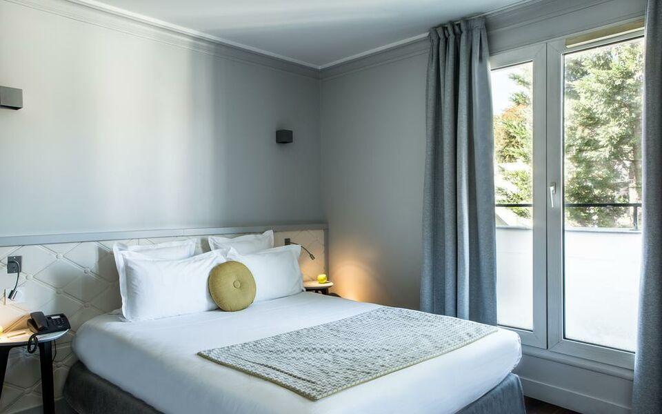 Hotel Atrium Suresnes France