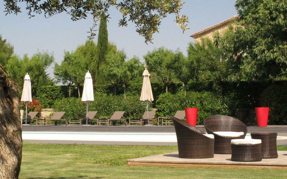 La cour des sens a design boutique hotel lagnes france - La cour des sens ...