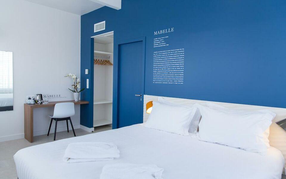 h tel les voiles a design boutique hotel toulon france. Black Bedroom Furniture Sets. Home Design Ideas