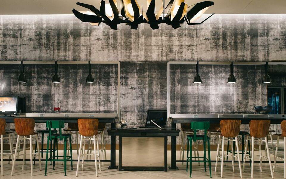 Renaissance chicago downtown hotel a design boutique for Boutique hotels chicago michigan avenue