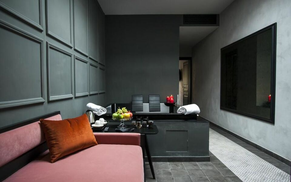 roma luxus hotel rom italien. Black Bedroom Furniture Sets. Home Design Ideas