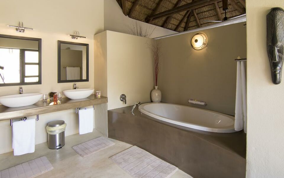 Naledi Bushlodge and Enkoveni Camp, Balule Game Reserve (13)