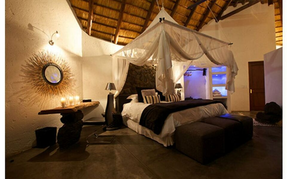 Pondoro Game Lodge, Balule Game Reserve (4)