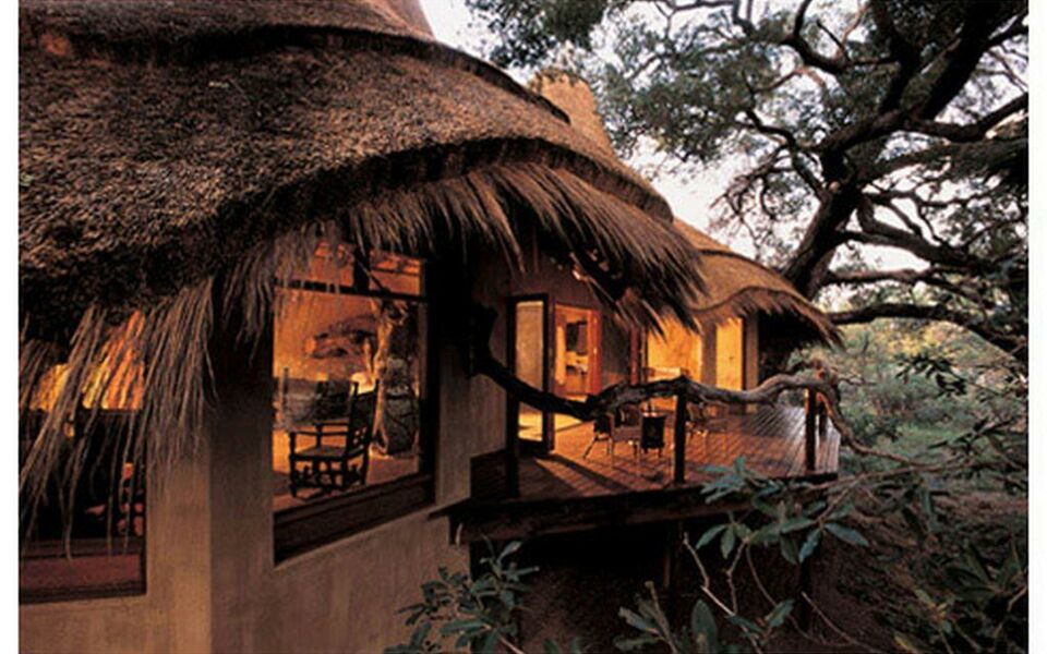 Pondoro Game Lodge, Balule Game Reserve (1)