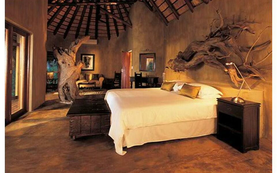 Pondoro Game Lodge, Balule Game Reserve (5)