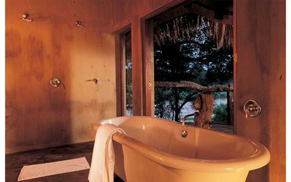 Pondoro Game Lodge, Balule Game Reserve (6)