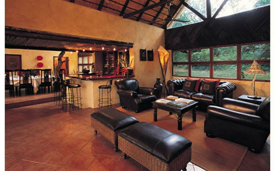 Pondoro Game Lodge, Balule Game Reserve (7)
