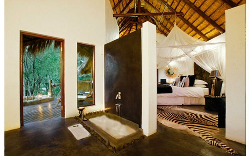 Pondoro Game Lodge, Balule Game Reserve (8)