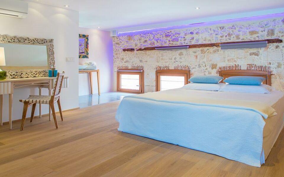 Vranas residenza a design boutique hotel chania town greece for Design hotel crete