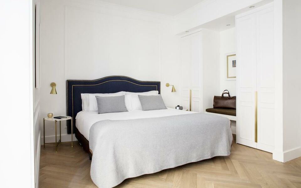 Hotel midmost a design boutique hotel barcelona spain for Design hotel few steps from the david